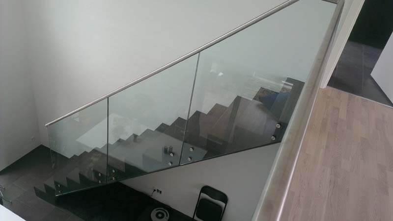 Glasgelænder til trappe