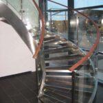 Bøjet glasværn til trappe