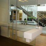 Glasdør til mødelokale