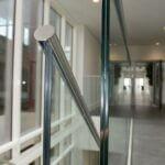 Indespændt glasværn til trappe