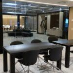Glasvægge mødelokale