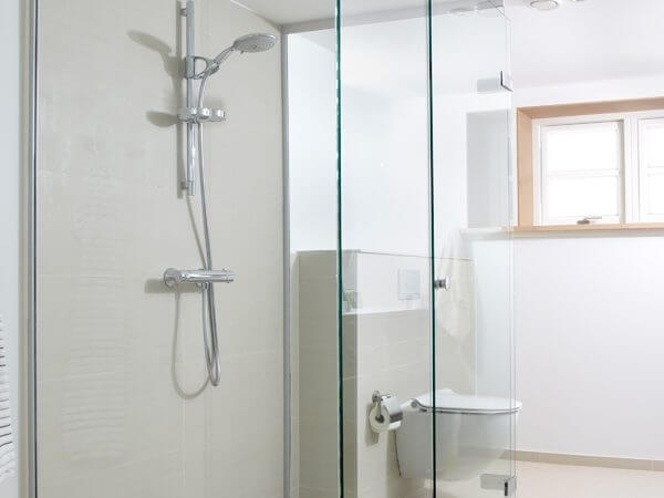 Glas til bad og bruseløsninger