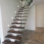Glasværn påspændt trappetrin