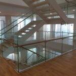 Indspændt glasværn til trappe