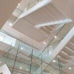 Trappe med indspændt glasværn